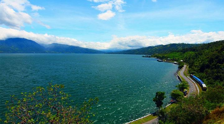 Pesona-Keindahan-Danau-Singkarak-1